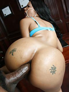 Naked asian girls lesbian